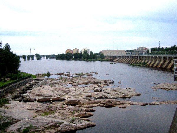 Photo of dam at Oulu.